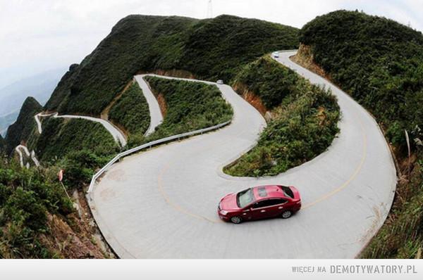 Górska droga w Chonging w Chinach –