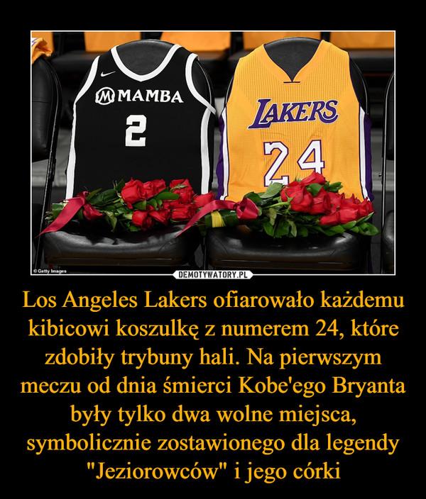 """Los Angeles Lakers ofiarowało każdemu kibicowi koszulkę z numerem 24, które zdobiły trybuny hali. Na pierwszym meczu od dnia śmierci Kobe'ego Bryanta były tylko dwa wolne miejsca, symbolicznie zostawionego dla legendy """"Jeziorowców"""" i jego córki –"""