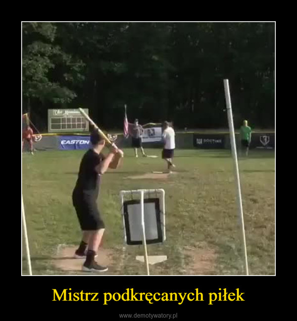 Mistrz podkręcanych piłek –
